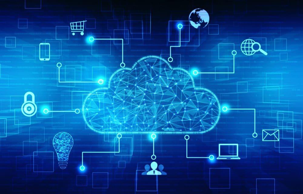 Nube con múltiples dispositivos conectados y activos en línea