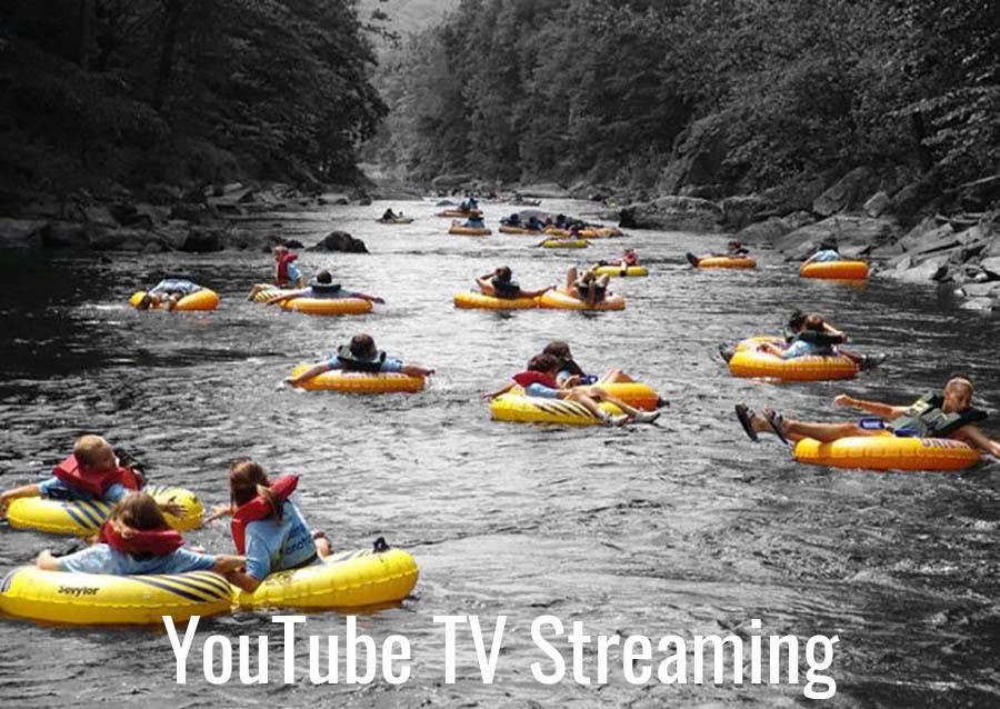 Personas flotando en un río con flotadores